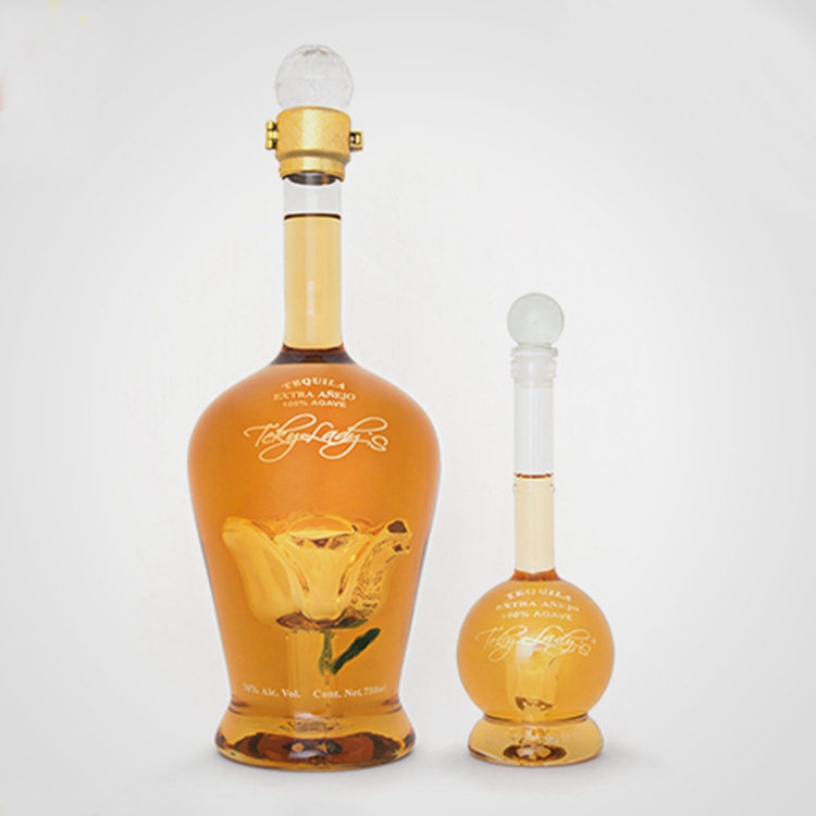 Glassware manufacturer handmade lead-free Glass Beverage Bottles For Wine Whiskey Vodka Bottles